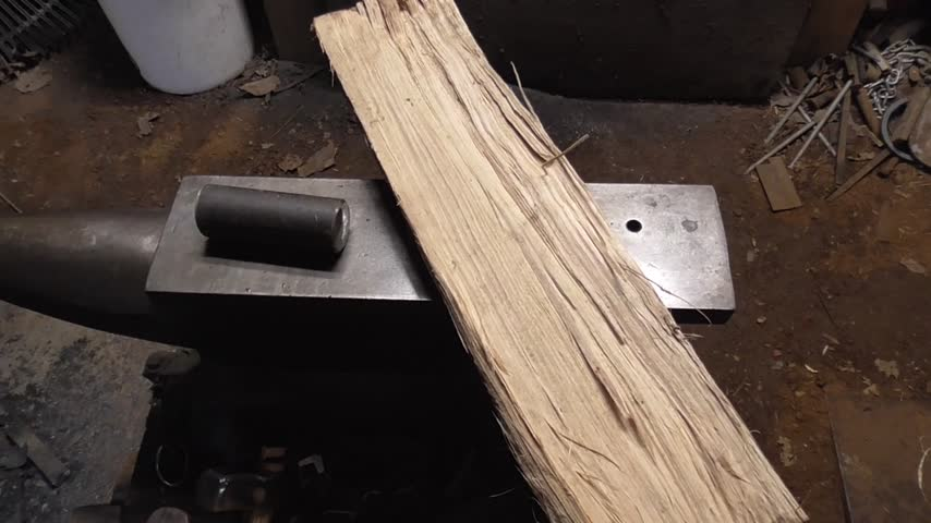 3.5 hours to turn 1045 round and firewood into a hammer